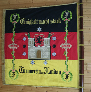 Vereinsfahne-Turnverein-1861