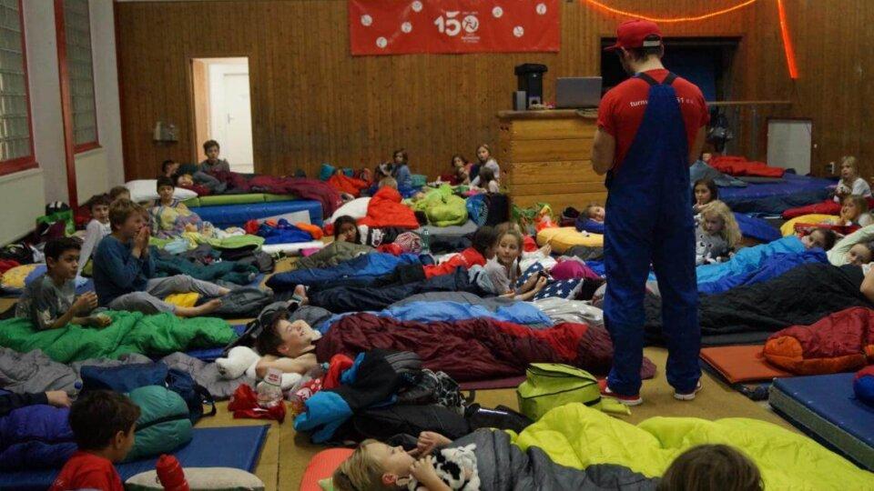 Nikolausübernachtung mit 62 Kindern aus dem Turnverein 1861