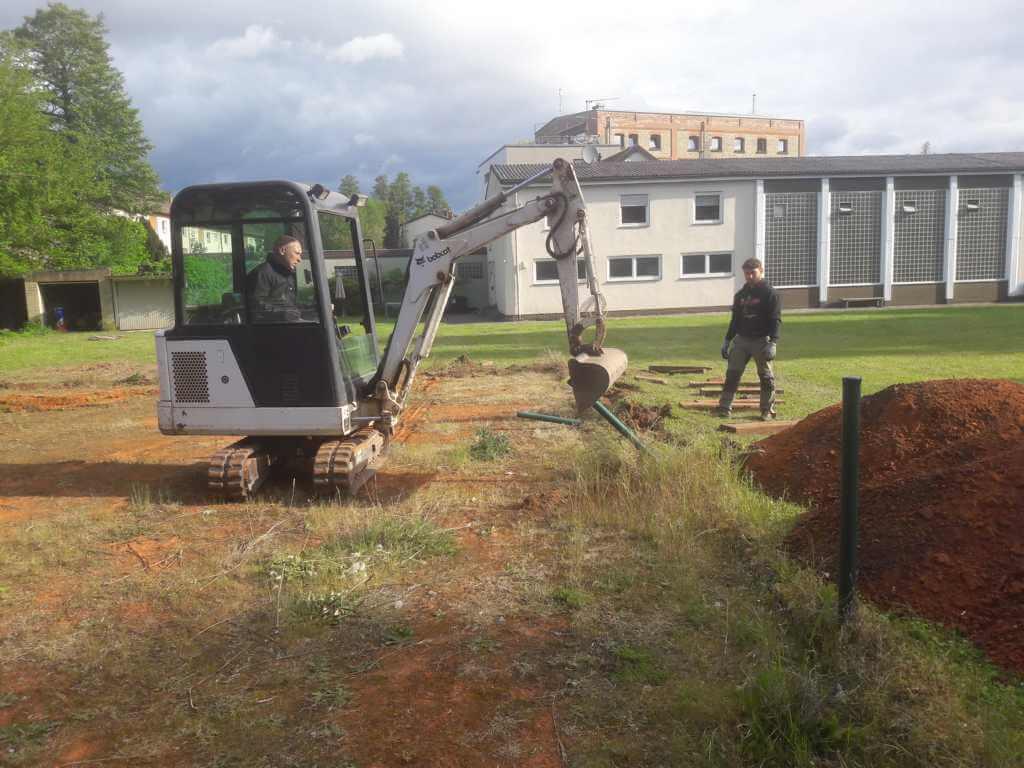 Der Tennisplatz wird abgetragen
